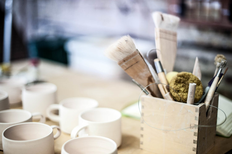 Ceramic Arts Center Offers Beginner's Pottery Class To Learn Throwing On Wheel